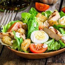 Салат «Цезарь» с курицей: рецепты