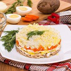 Салат из консервированной сайры: рецепты