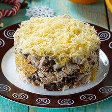 Салат «Прага» с курицей и черносливом: рецепты