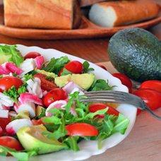 Салат с авокадо и крабовыми палочками: рецепты