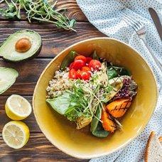 Салат с авокадо: рецепты мясных, рыбных и вегетарианских блюд