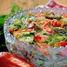 Салат с фунчозой и мясом: рецепты