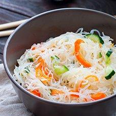 Салат с фунчозой: рецепты