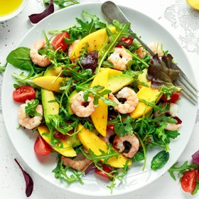 Салат с креветками и авокадо: рецепты