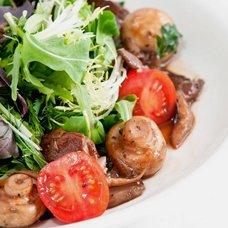 Салат с куриной печенью: рецепты