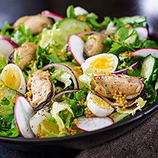 Салат с мидиями: рецепты