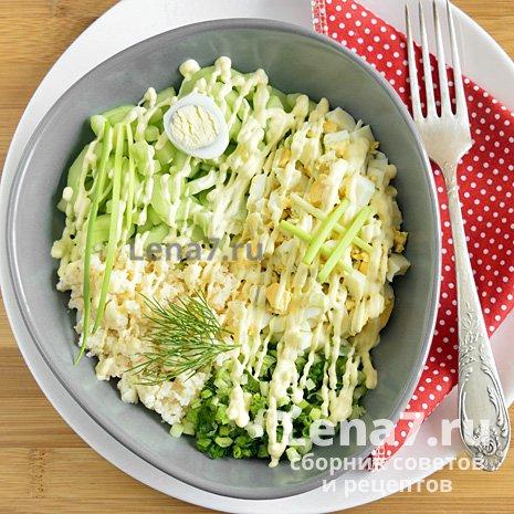 Салат с мясом криля и зеленью: пошаговый рецепт