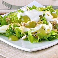 Вкусные салаты с виноградом: рецепты