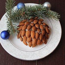 Салат «Шишка» с миндалем: рецепты