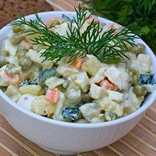 Салат «Столичный» с курицей: 7 рецептов