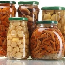 Как хранить соленые грибы в домашних условиях