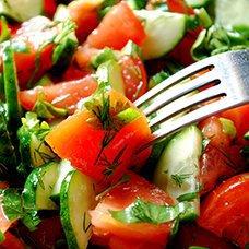 Салат из огурцов, помидоров и лука на зиму: рецепты