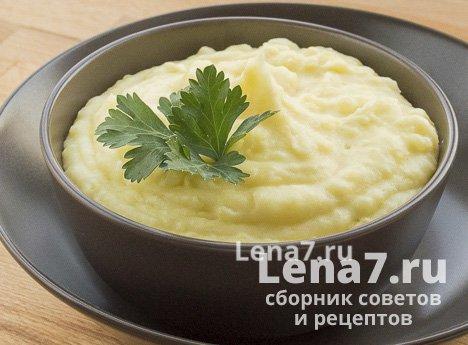 Картофельное пюре с молоком и сливочным маслом